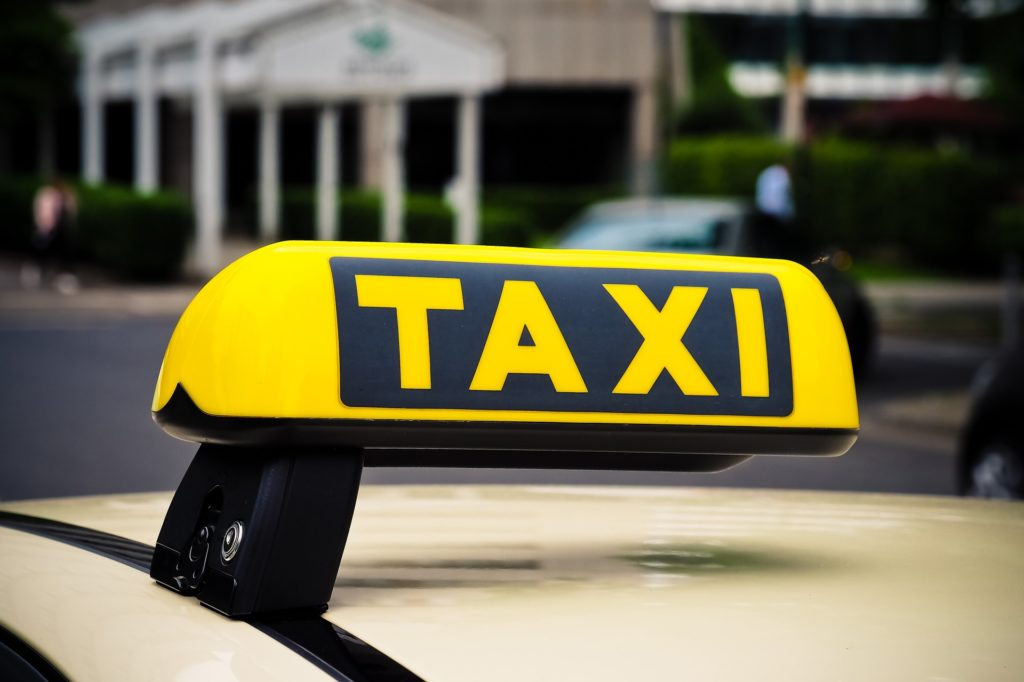 kiwi taxi заказать трансфер