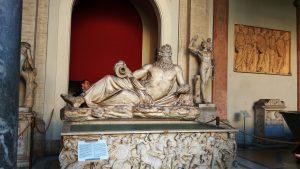 Музеи Ватикана, Папский дворик