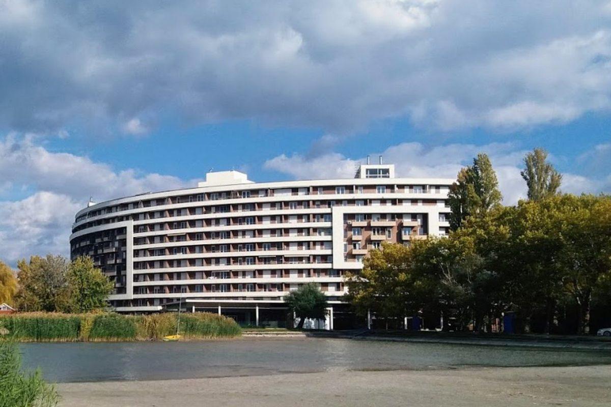 Отель на озере Балатон